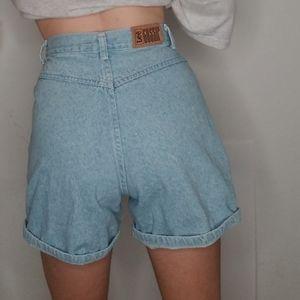 VTG Lee High-Waisted Mom Shorts